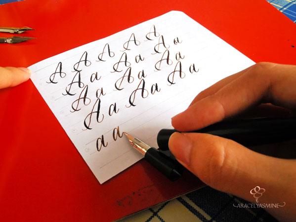 caligrafia copperplate inglesa como escribir alfabeto letra a