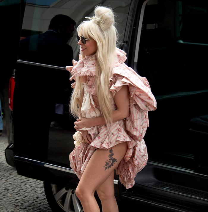 tatuagem lady gaga unicornio