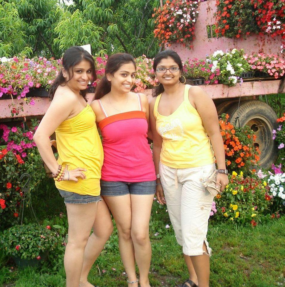 Indian College Girls In Mini Skirt Photos - Beautiful Desi -2329