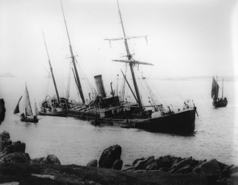 30 Ghostly Photographs Of The Isles Of Scilly Shipwrecks
