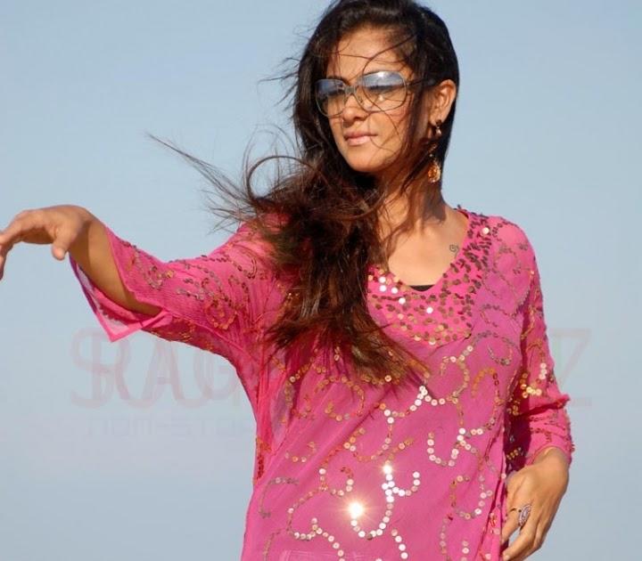 SouthIndian Actress Gallery: Actress-simran Photogallery