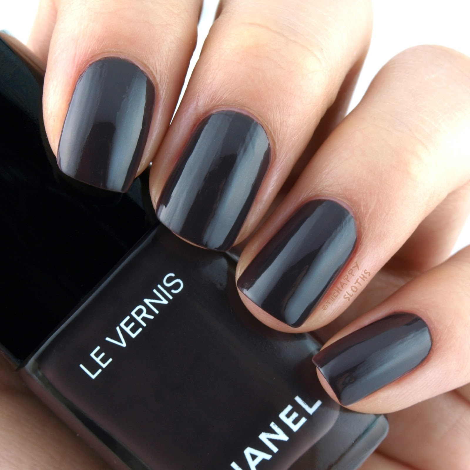 Chanel Spring 2017 Le Vernis 570 Androgyne: Review and Swatches