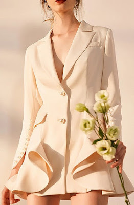 https://www.choies.com/product/nude-pink-notch-lapel-button-sleeve-ruffle-hem-blazer_p75235?cid=9434Laura
