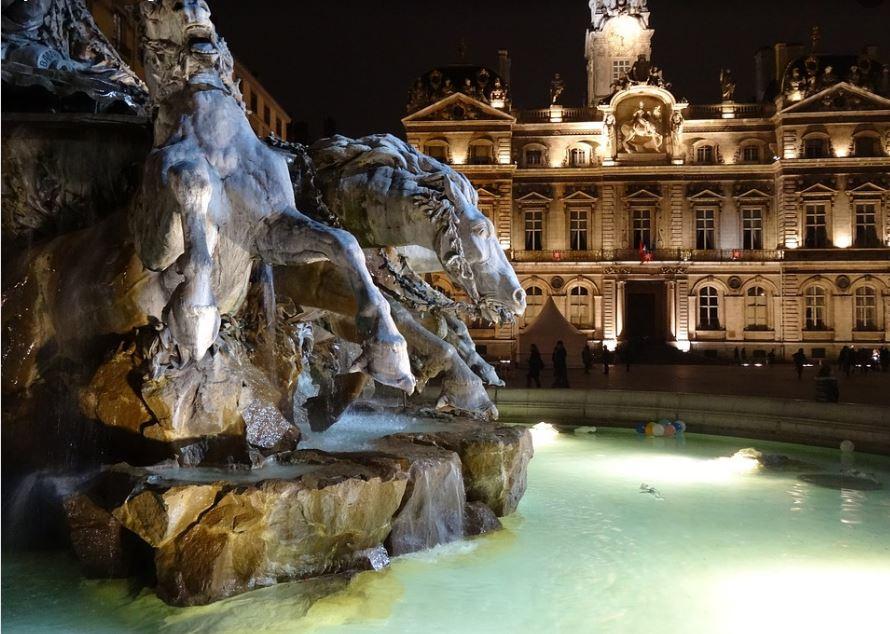 Fontaine des Terreaux et Hôtel de Ville de Lyon
