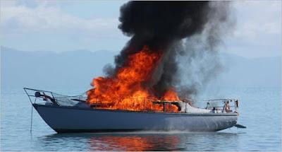 ΣΥΒΟΤΑ:Φωτιά σε τουριστικό σκάφος – Σώοι οι επιβαίνοντες
