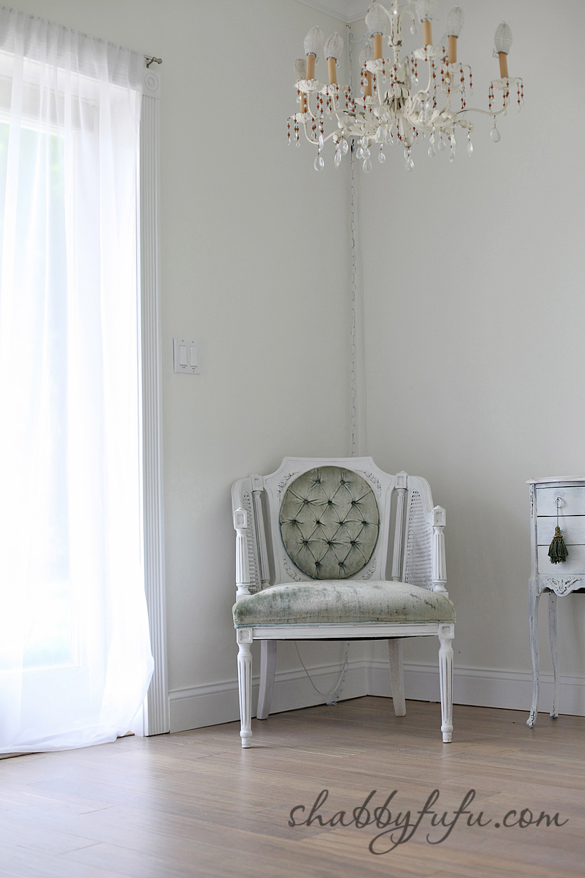 five minute design tips - soft mint green upholstered chair painted white
