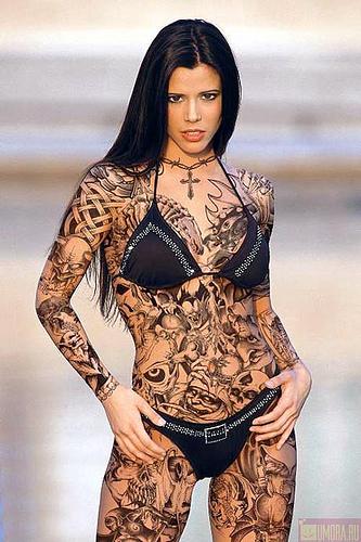 beautiful-girl-with-custom-tattoo-body
