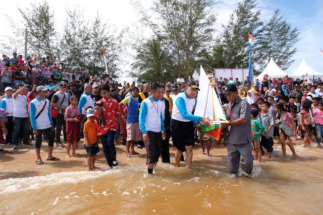11 HARI%2BNUSANTARA - Pemerintah Kaltara - Acara Budaya Pesta Pantai Perlu Dilestarikan