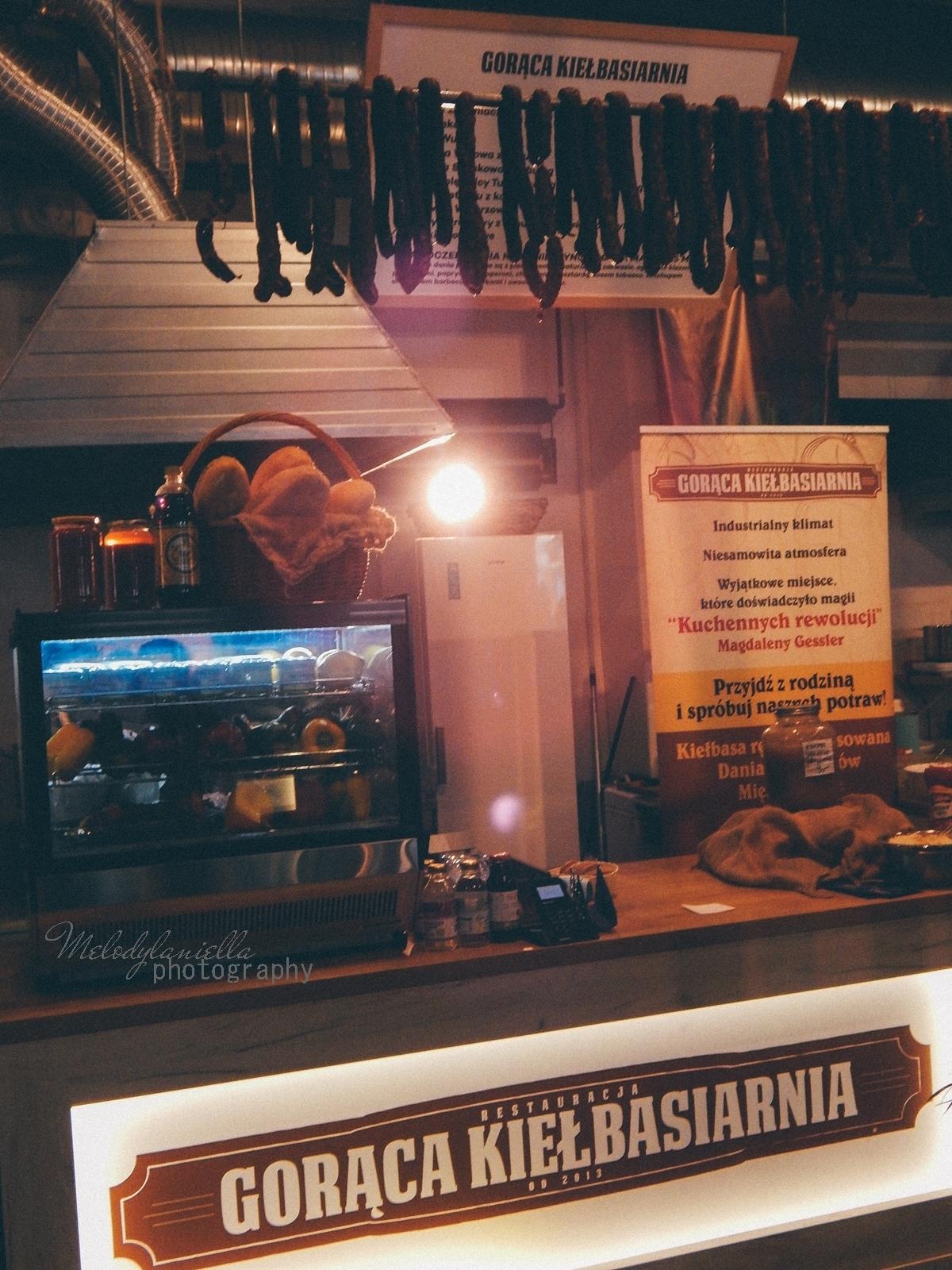 20 XV Łódź Street Food Festival. Uliczna uczta przy Piotrkowskiej 217 before food market lato co zjeść food truck festival łódź bangkok lody tajskie chińskie pierożki na parze baklava tacos kiełbasiarnia kofola