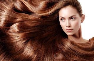 Méthodes naturelles pour se teindre les cheveux en châtain à la maison