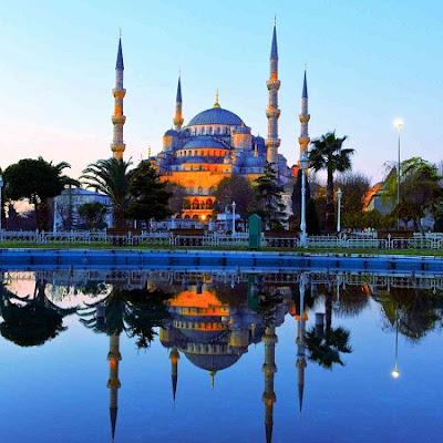 Indahnya Blue Mosque yang dapat kita saksikan di Turki