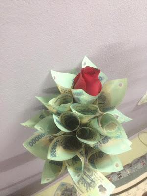 20 bó hoa sinh nhật bằng tiền và đô la độc đáo bá đạo 12