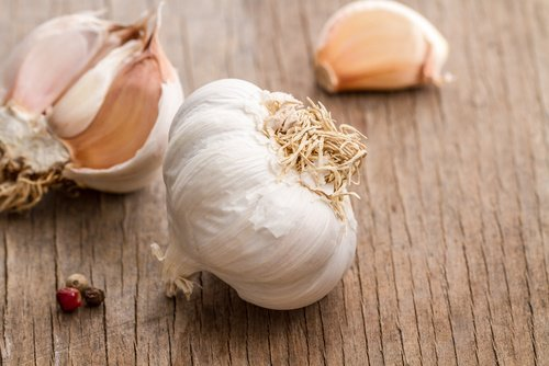 Quels sont les bienfaits de l'ail et de citron pour lutter contre la graisse du ventre?