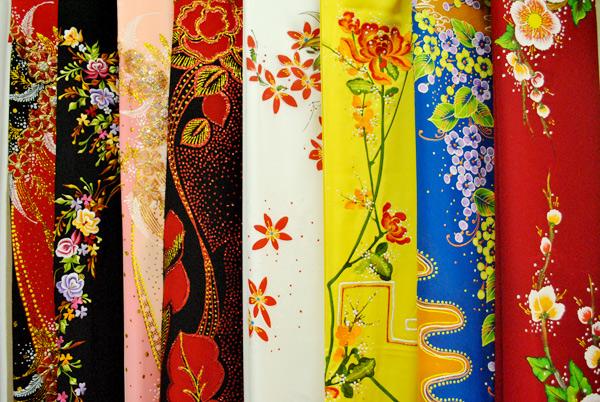 Thu Mua Vải Bọt Xốp May Áo Dài Thời Trang - Thu mua vải thời trang giá cao