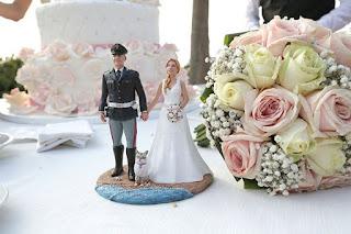 statuine realistiche torta nuziale sculture fatte a mano cake topper sposo uniforme orme magiche