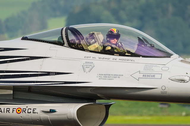 Belgian Demo Pilot Gizmo F-16 Display