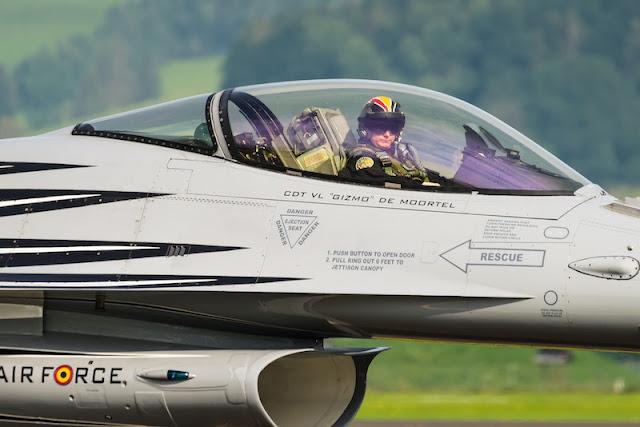 Belgian Demo Pilot Gizmo F-16 Display
