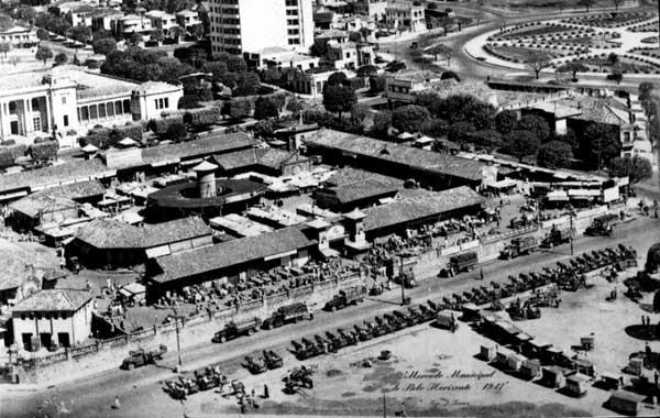 mercado antigamente com barracas formando ruas dispostas em anéis