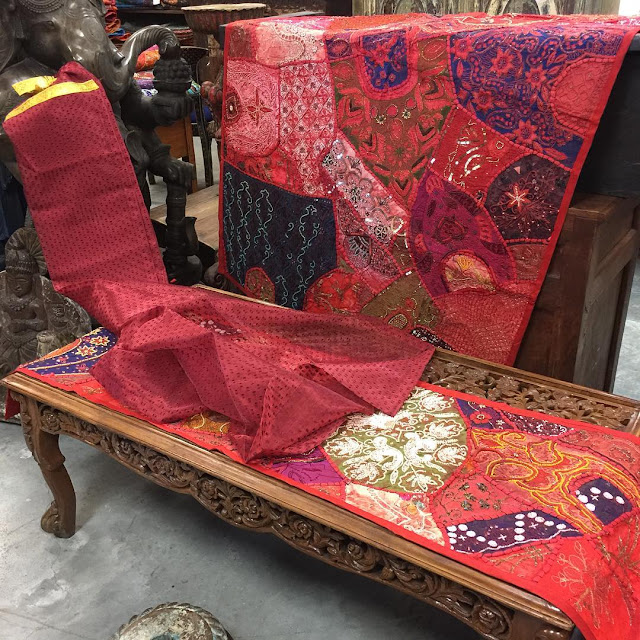 https://www.houzz.com/photos/tapestries/seller--era_chandok