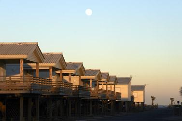 les amarines gruissan location studio lesamarinesgruissan la plage des chalets a gruissan