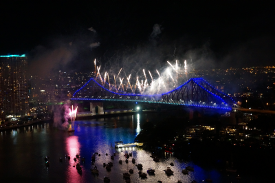 Away from Blue photo of Brisbane sunsuper riverfire 2013 fireworks from story bridge