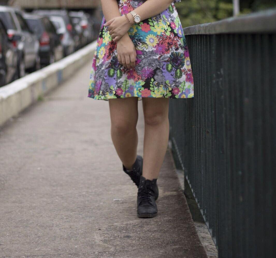 Look do dia: vestido florido + coturno