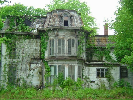 Liz adeles spooky art spooky houses for Building a home in ohio