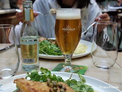Brasserie Pakhuis, ambiente industrial, acolha calorosa e produtos de qualidade excepcional, Gand