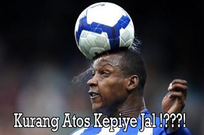 gambar heding kepala lucu saat sepak bola