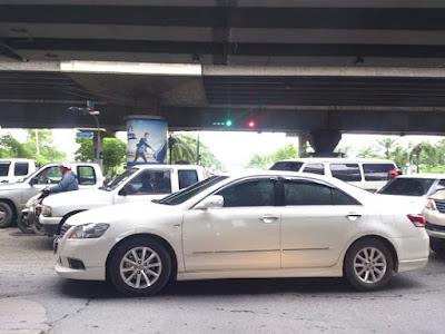 タイの渋滞の原因