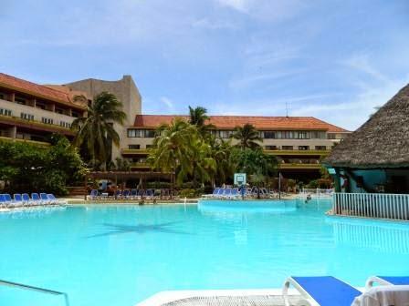 Piscina del Hotel Breezes Bella Costa Varadero en Cuba
