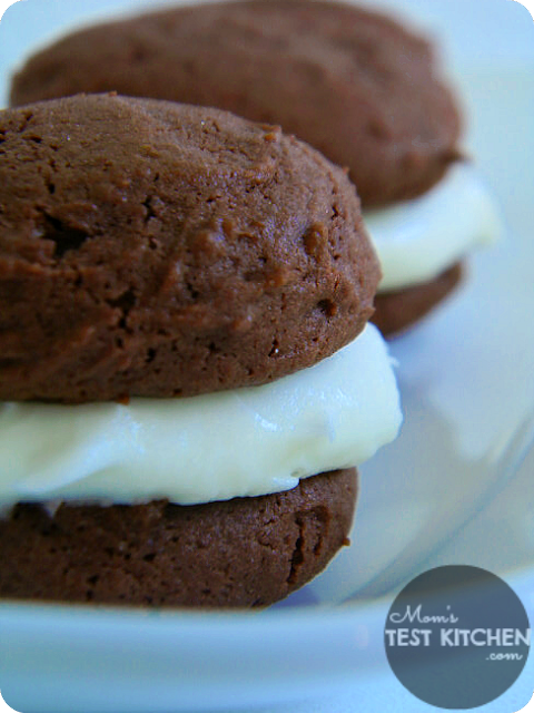 Red Velvet Pudding Whoopie Pies