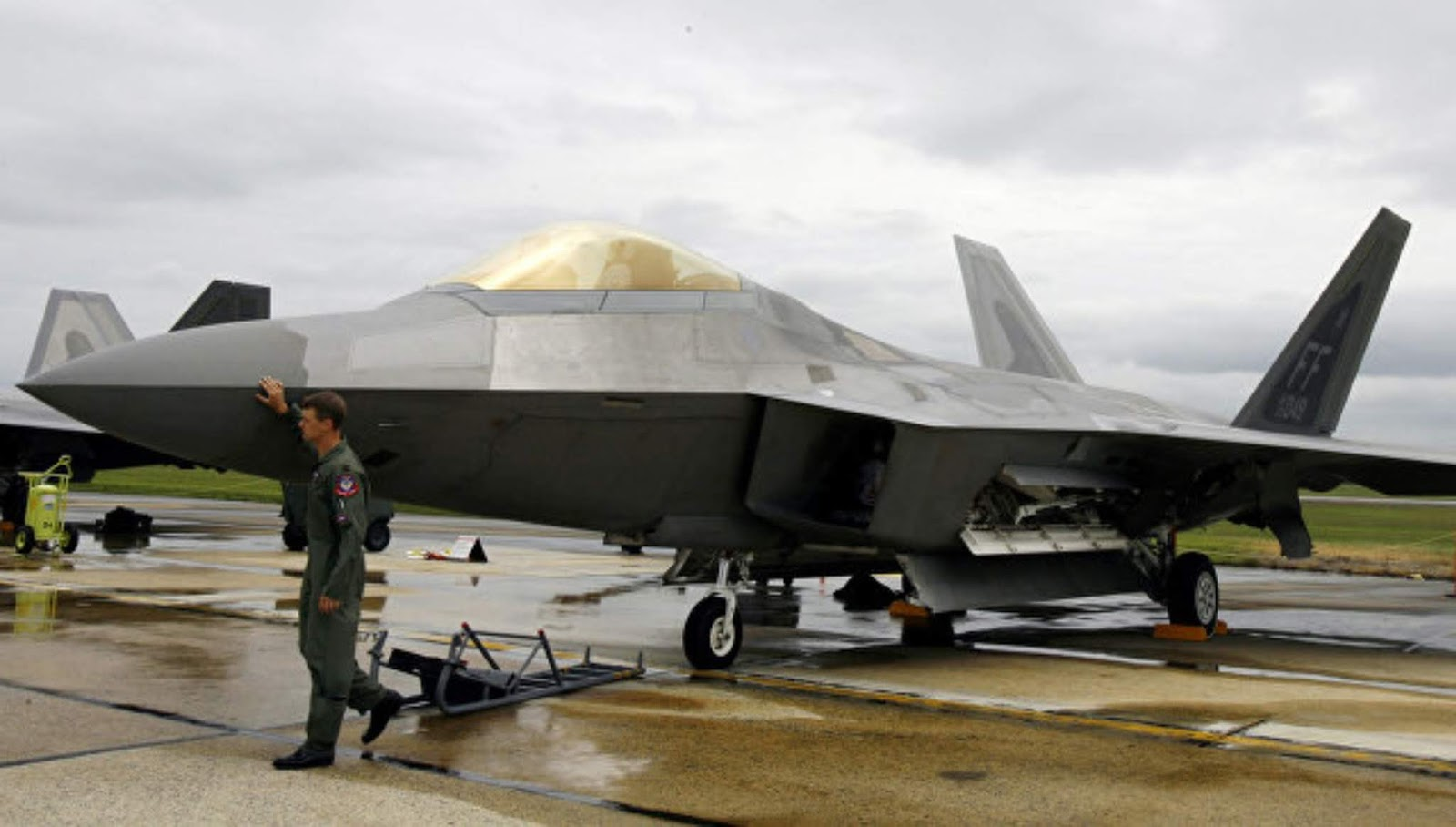 NI menganalisa mengapa militer AS punya masalah serius