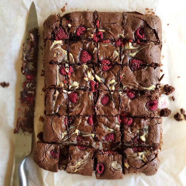 Brownie Blondie Bakes: Raspberry Cheesecake Swirl Brownies