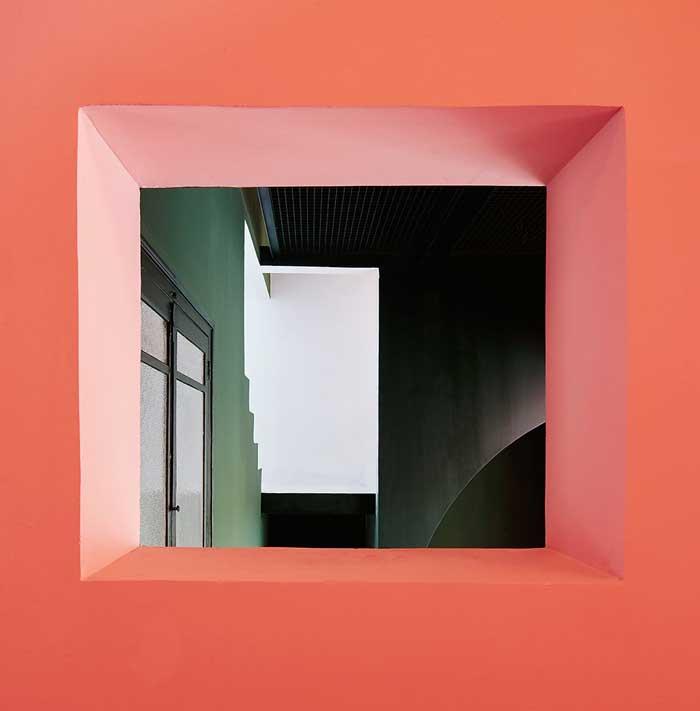 casa_horta_ventana_rosa_verde