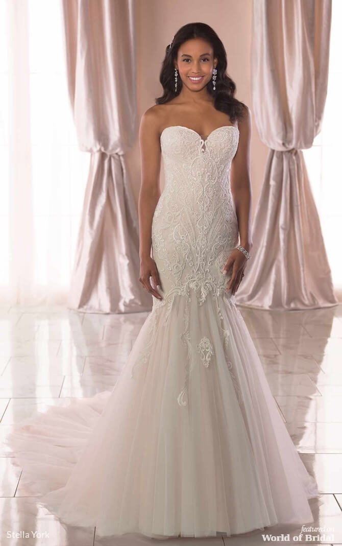 61fabde75620 Stella York Spring 2019 Trumpet Wedding Dress with Linear Lace