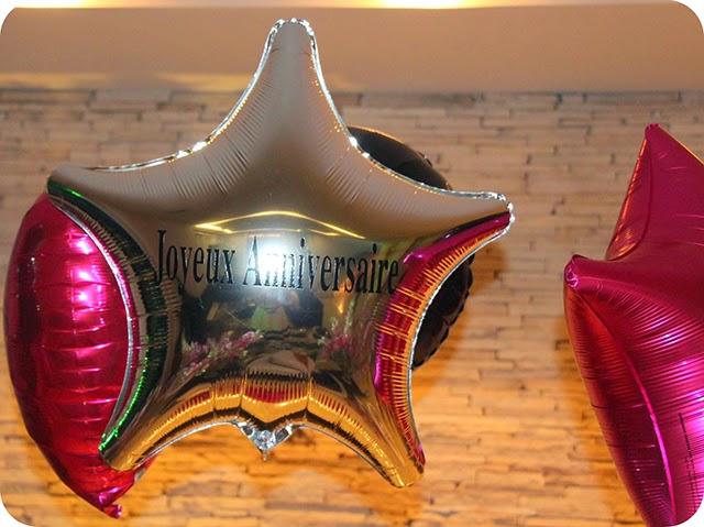 Joyeux Anniversaire - Aniversário Chanel - Balões Metalizados com Gás Hélio
