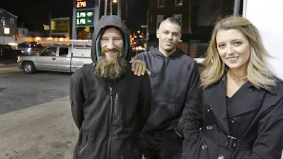 Woman Raises $34,000A on Gofundme For Homeless Man Who Spent His Last $20 To Keep Her Safe