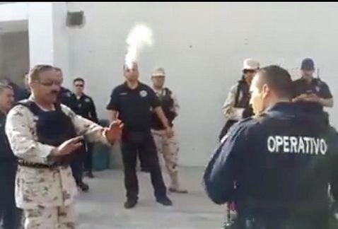 [VIDEO] Militares se enfrentan a policías en las instalaciones del C-4  de Hermosillo por revisión de armamento
