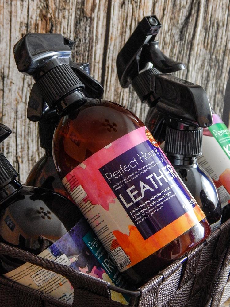 2 barwa perfect house kosmetyki do pielęgnacji domu porady na wiosenne porządki perfumowana woda do prasowania recenzja melodylaniella płyn do mycia podłóg specyfiki do mebli do czyszczenia do sprzątania skóry