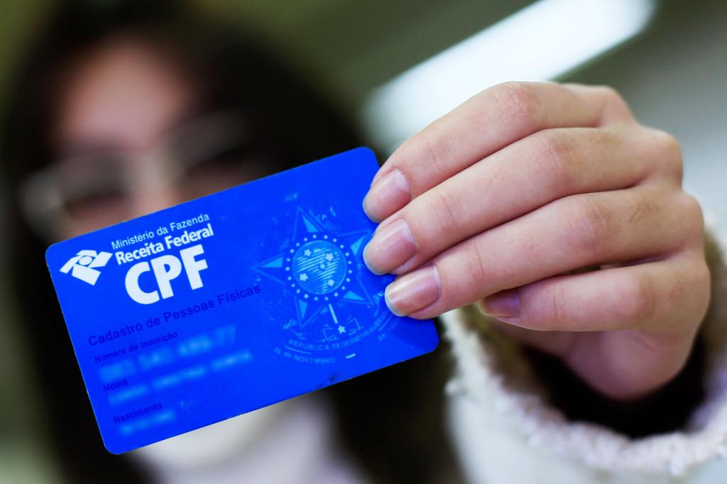 Travestis e transexuais poderão solicitar inclusão do nome social no CPF