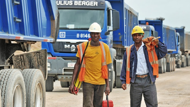 Aggrieved workers chase Julius Berger officials who attempt to evict them