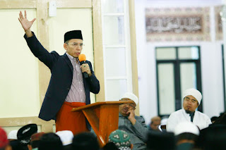 <b>TGB: Banggalah Jadi Santri Yang Berdakwah dan Berjuang Membangun Indonesia</b>