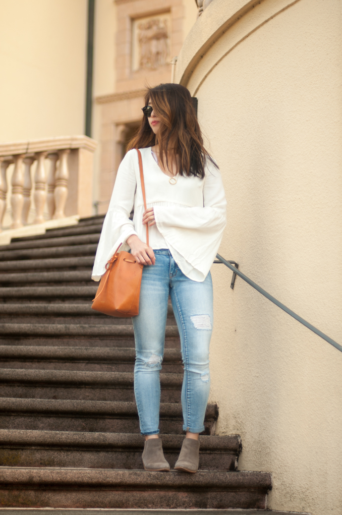 san francisco fashion blogger wearing minkpink bell sleeved top