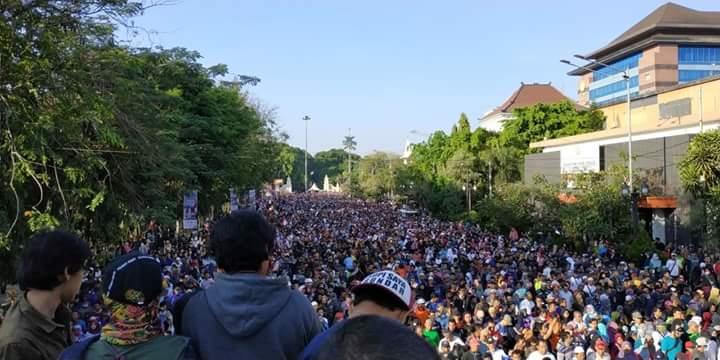 Sempat Tak Diizinkan, Begini Penampakan Jalan Sehat Umat Islam Solo