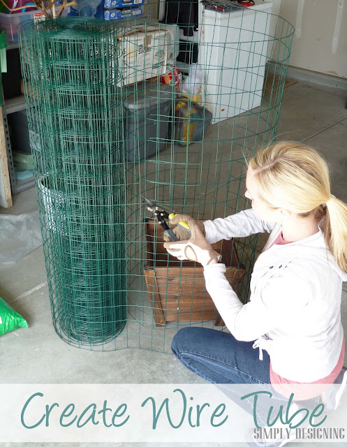 Cutting Wire Fencing, DIY Flower Tower, Simply Designing, #digin #heartoutdoors #spring #sponsored