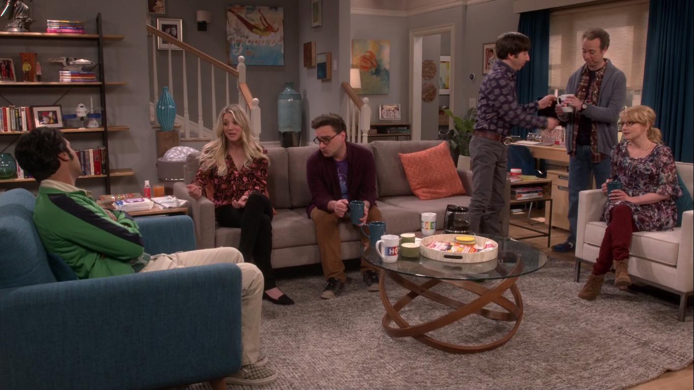 Cuando te quedas sin casa, los amigos se pelean por ver quién te echa antes de su sofá.