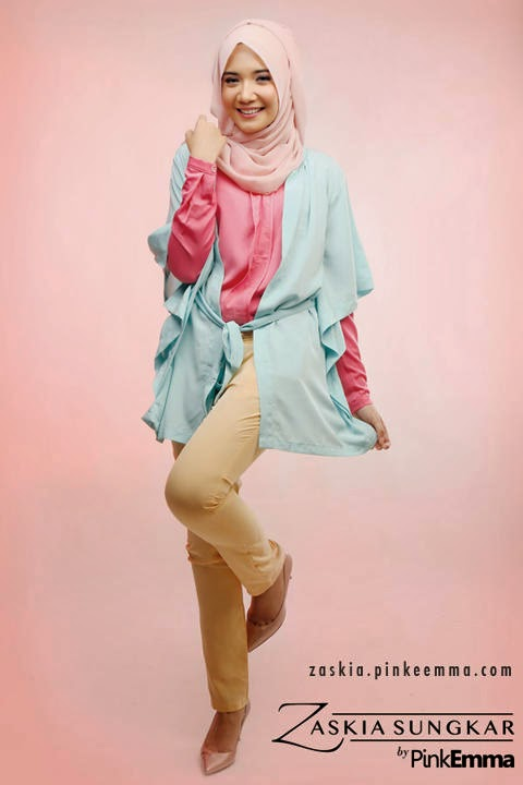 Model Baju Muslim Warna Pink, Biru dan Gading Putih