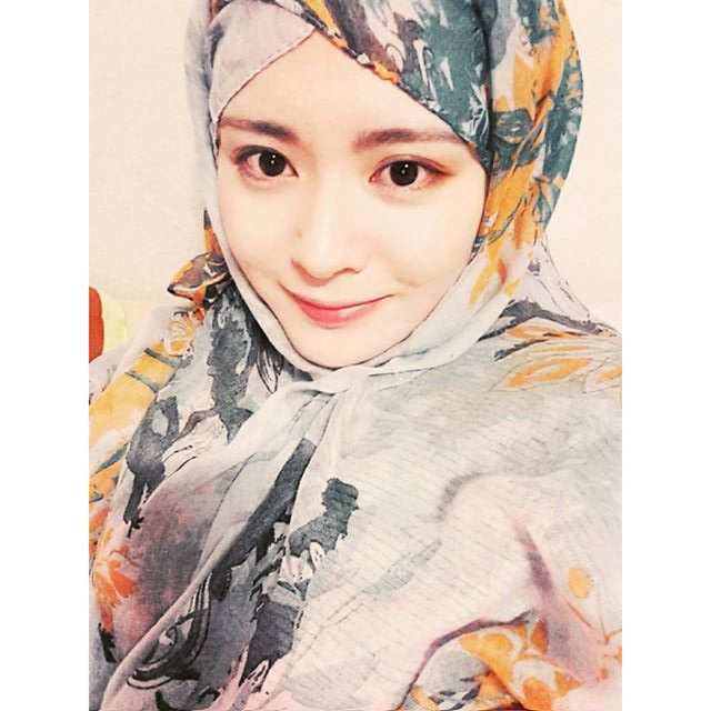 Foto Ayana Moon Gadis Korea Muslim Yang Cantik