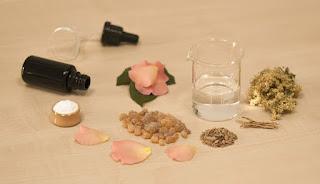manfaat air mawar untuk obat jerawat
